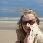 sad_woman_on_windy_beach-r_200
