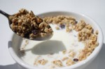 cereal_bowl_with_spoonful-r_200