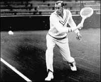 About Men's Tennis Apparel